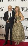Michael Cerveris y Kelli O'Hara Grab Tony Awards 2015 fotos de archivo