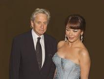 Michael Douglas och Catherine Zeta-Jones på 64th Tonys i 2010 Fotografering för Bildbyråer