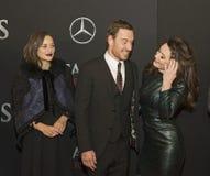 Michael Fassbender Flirts na premier do tapete vermelho fotos de stock royalty free