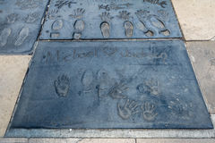 Michael Jackson handprints in Hollywood-Boulevard voor Chinees Theater - Los Angeles Californië, de V.S. stock afbeeldingen