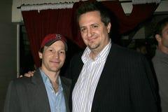 Michael Leydon Campbell en Craig Carlisle bij de Première van Los Angeles van de ?Lafbek van het Loodje?. De Zonsondergang van Lae royalty-vrije stock afbeeldingen
