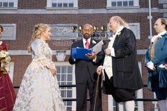 Michael Nutter che sposa Ben Franklin e Betsy Ross Immagini Stock Libere da Diritti