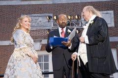 Michael Nutter som att gifta sig Ben Franklin och Betsy Ross Royaltyfria Bilder