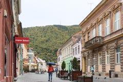 Michael Weiss-Straße in der alten Stadt von Brasov in Rumänien Stockfoto