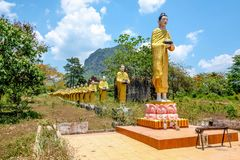 Michaelita W kreskowej statui w Myanmar kraju stronie obraz stock