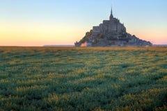 法国michel mont圣徒日落 免版税图库摄影