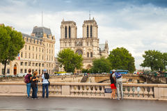 michel pont圣徒 横跨塞纳河,巴黎的桥梁 图库摄影