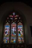 MICHELDEVER, HAMPSHIRE/UK - 21. MÄRZ: Buntglas-Fenster in S Stockfoto