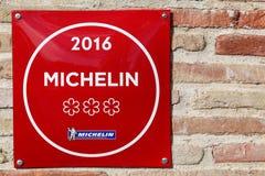Michelin-Restaurant 3 spielt Symbol auf einer Wand die Hauptrolle stockfotos