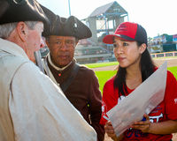 Michelle Kwan assina autógrafos imagens de stock royalty free