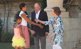 Michelle Obama en haar dochter Sasha worden ontvangen door Koningen van Spanje Royalty-vrije Stock Foto