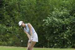Michelle Wie szczerbi się piłkę golfową Obraz Royalty Free