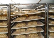 Miches de pain dans une salle rendante résistante photo libre de droits
