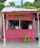 Miches, republika dominikańska, 16, 2019, lokalna drewniana chałupy kawiarnia lub bufet na drodze Kwiecień,/Typowy, zdjęcia stock