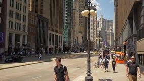 Michigan Avenue στο Σικάγο μια ηλιόλουστη ημέρα - ΣΙΚΑΓΟ ΗΝΩΜΕΝΕΣ ΠΟΛΙΤΕΊΕΣ - 11 ΙΟΥΝΊΟΥ 2019 απόθεμα βίντεο