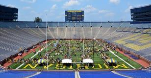Michigan-Fußball-Jugend-Tagesmenge Stockfotografie