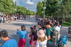 Mickey's Storybook Express parada przy Szanghaj Disneyland w Szanghaj, Chiny obraz royalty free