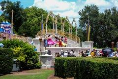 Mickey i Minnie przy Magicznym królestwem Obraz Royalty Free