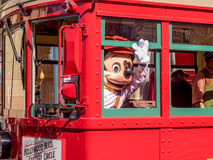Mickey Mouse aux studios de Hollywood en parc d'aventure de Disney la Californie Image stock