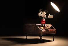 Mickey Mouse dancing on piano Royalty Free Stock Images