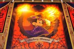 Mickey Mouse dans le costume de Veille de la toussaint - mer de Disney Photos stock