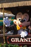 MICKEY MOUSE EN DESFILE EN COCHE Imagen de archivo libre de regalías