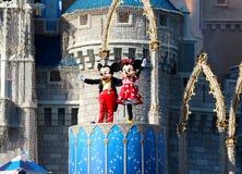 Mickey och Minnie Mouse på etapp på den Disney världen Orlando Florida Royaltyfri Foto