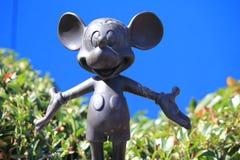 Micky Mouse dans Disneyland Paris Image libre de droits