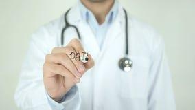 Micróbio patogênico, doutor Writing na tela transparente vídeos de arquivo