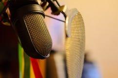 Micrófono de registro del estudio Imagenes de archivo