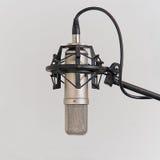 Micrófono en el estudio de grabación Fotos de archivo libres de regalías