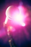 Micrófono en etapa fotos de archivo libres de regalías
