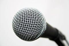 Micrófono popular del vocalista imagen de archivo libre de regalías