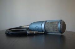 Micrófono profesional del estudio del tubo de vacío imagenes de archivo