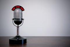 Micrófono retro del escritorio Imágenes de archivo libres de regalías