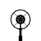 Micrófono retro negro en el fondo blanco Fotografía de archivo libre de regalías