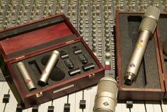 Micrófono y mezclador Imágenes de archivo libres de regalías