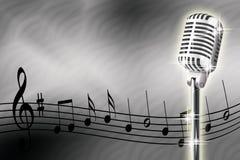Micrófono y notas musicales Fotos de archivo libres de regalías
