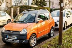 Micro carro de Aixam em ruas de França Fotos de Stock Royalty Free