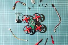 Micro peças do conjunto do helicóptero fotografia de stock