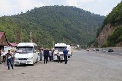 Microbús en las montañas de Georgia Foto de archivo