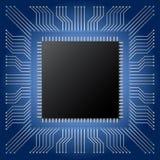Microchip nero con lo spazio della copia sul fondo blu del circuito di mainboard Fotografia Stock Libera da Diritti
