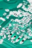 Microchip op groene motherboard computerwetenschap die wordt geïntegreerd royalty-vrije stock foto's
