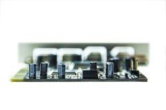 Microchips en transistors stock afbeeldingen