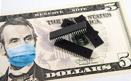 Free Microchips Shortage In The United States Because Of COVID-19 Pandemic. Concept. Picture Of Computer Chips Placed On Banknote With Stock Photography - 221165332