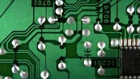 Microcircuito en el movimiento almacen de metraje de vídeo