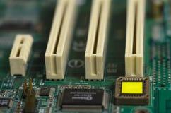 Microcircuitos, cierre del ordenador de los transistores fotografiados fotografía de archivo libre de regalías