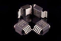 Microcircuitos en negro Fotos de archivo libres de regalías