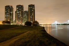 Microdistrict Ribatskoe en la noche Foto de archivo