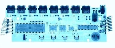 Microelectronic bräde under röntgenstrålarna arkivfoto